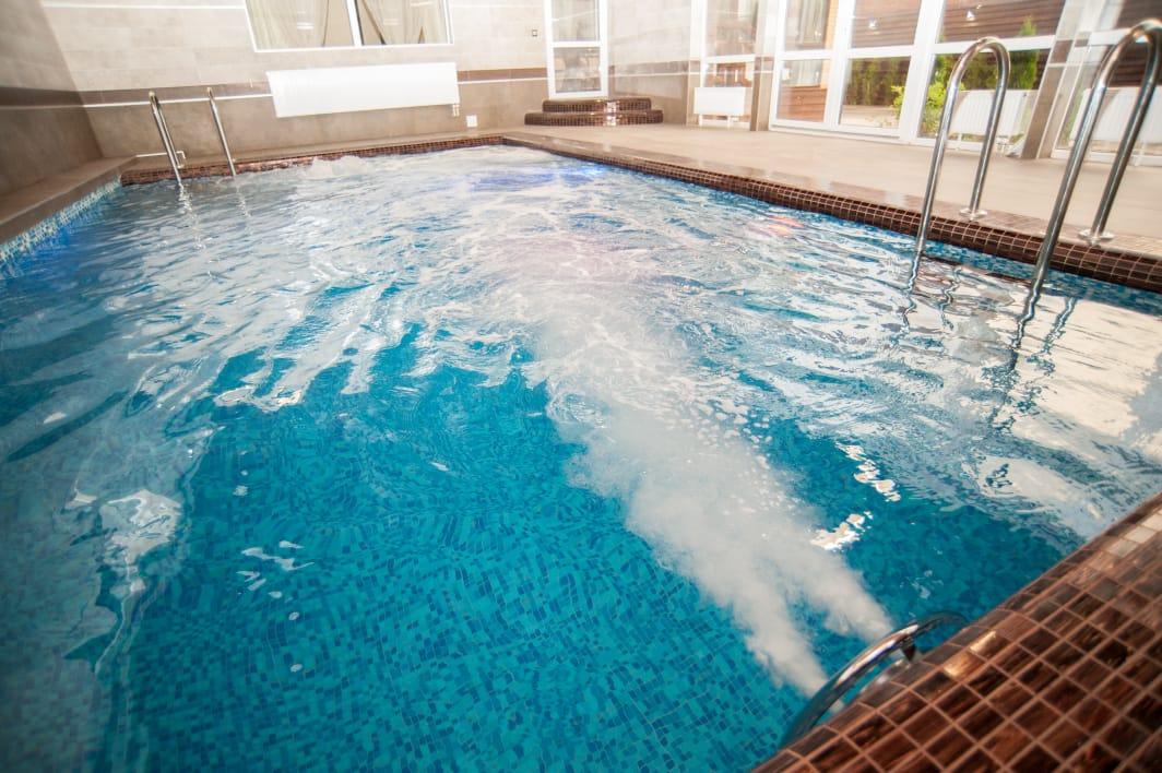 Вилла с большим подогреваемым бассейном и турецким хамам. Сдается вилла в Ростове-на-Дону №4663 (Ростовская область) посуточно, цены и отзывы